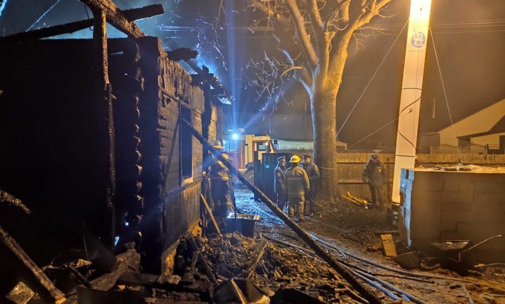 Пятеро детей, их мать и бабушка сгорели в частном доме под Смоленском. Глава семейства выжил