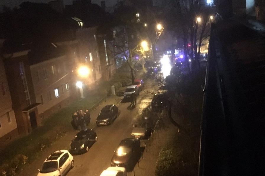 «Трупы прямо на тротуаре»: в Калининграде мужчина застрелил бывшую жену на глазах у детей и покончил с собой