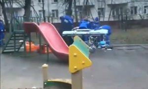 Юный москвич умер, получив удар палкой от младшего брата во время игры