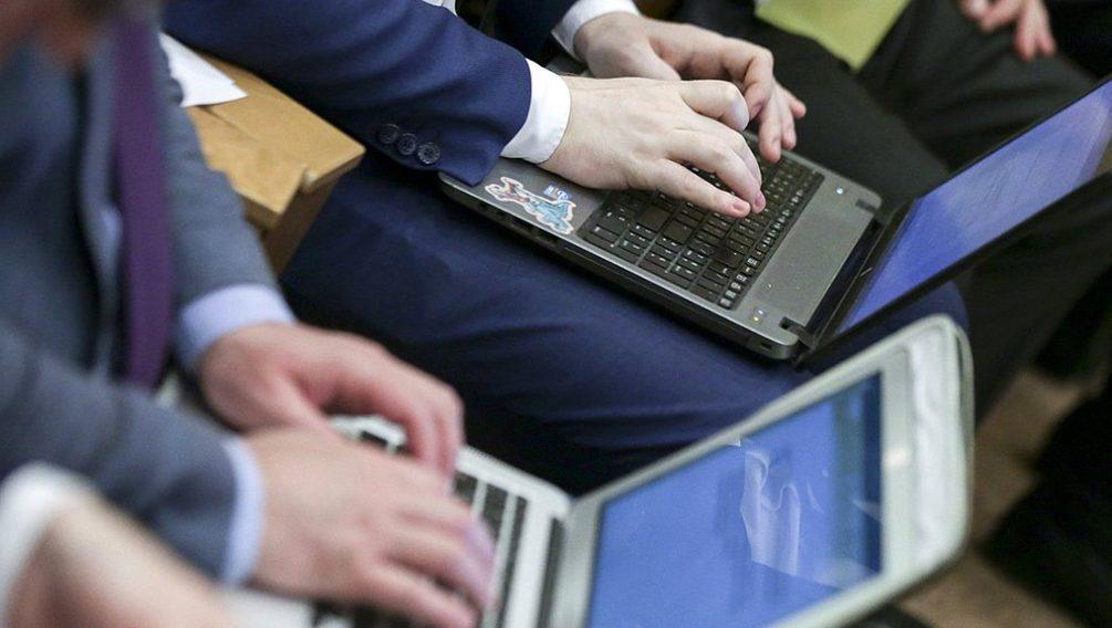 В Госдуме нашли весомые причины для блокировки Facebook и YouTube
