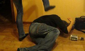 Вместо зарплаты — дубинка: подопечный «Линии жизни» обвинил волонтера в групповом изнасиловании