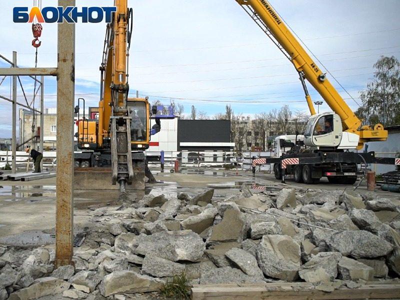Власти Ставрополья снесли хоккейную школу ради строительства парковки и слива топлива