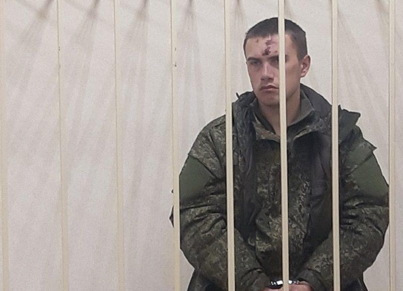 Отказался от показаний и подавлен: адвокат расстрелявшего сослуживцев солдата рассказала о его состоянии