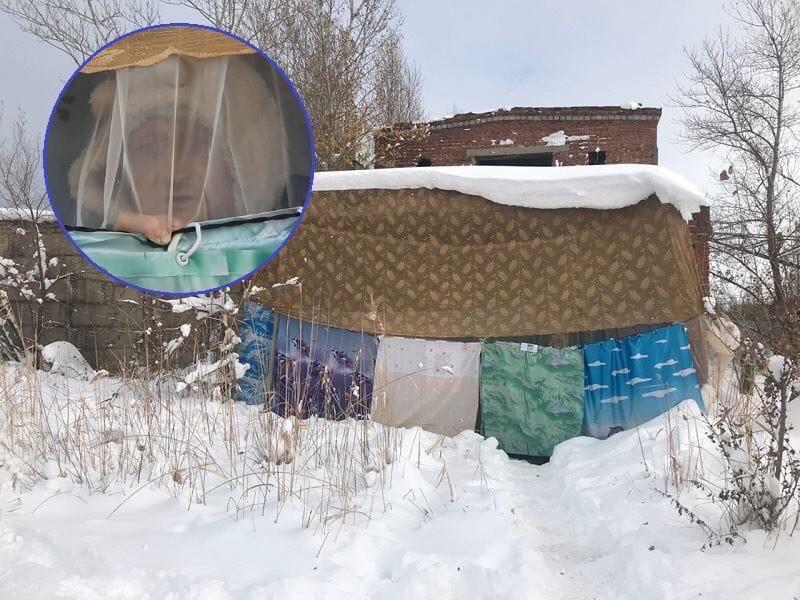 В Волгодонске мужчина живет в заброшенном здании, используя одеяла вместо окон и дверей, отказываясь от переезда