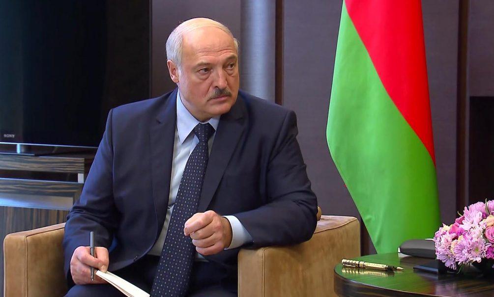 Лукашенко разгромил выборы в США и пообещал принять новую Конституцию