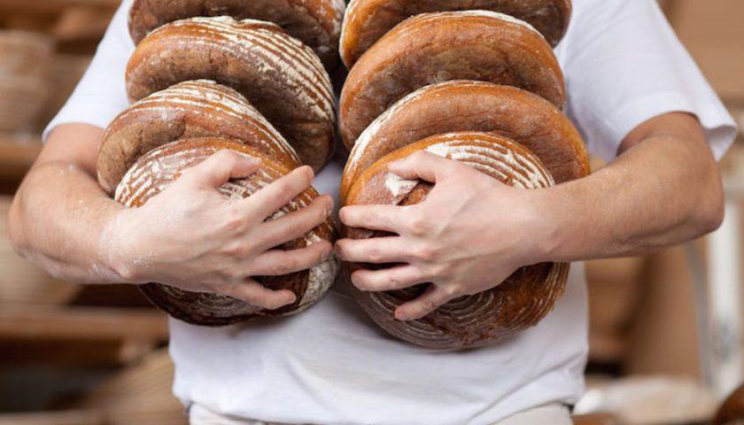 Бедность россиян определили по хлебу