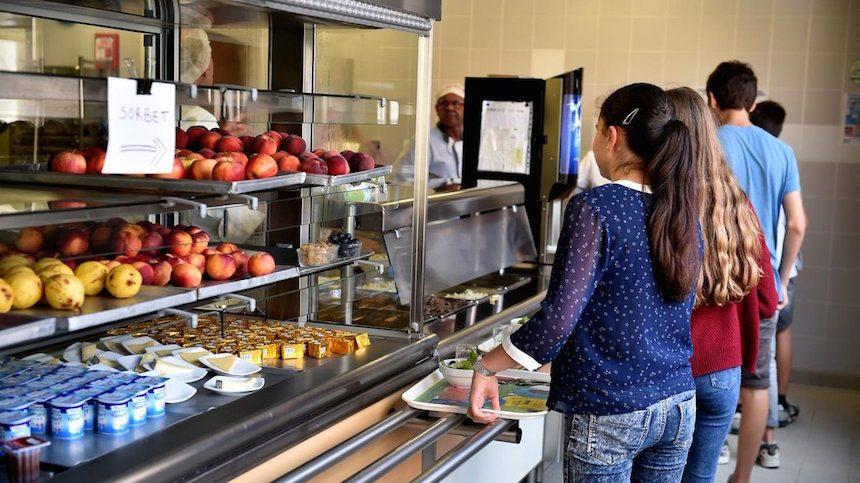 «Фи» и «фу»: российские ученики назвали нелюбимые блюда в школьных столовых