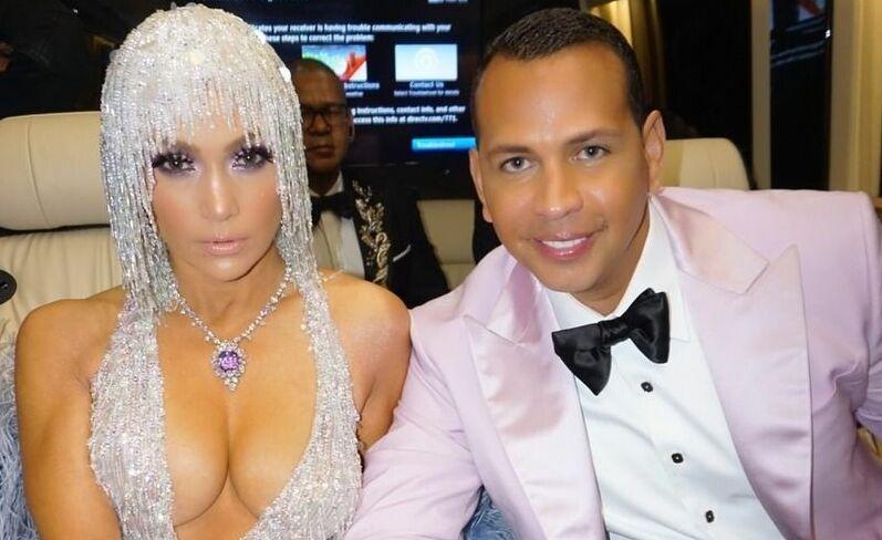 Дженифер Лопес застраховалась от измен на 250 тысяч долларов