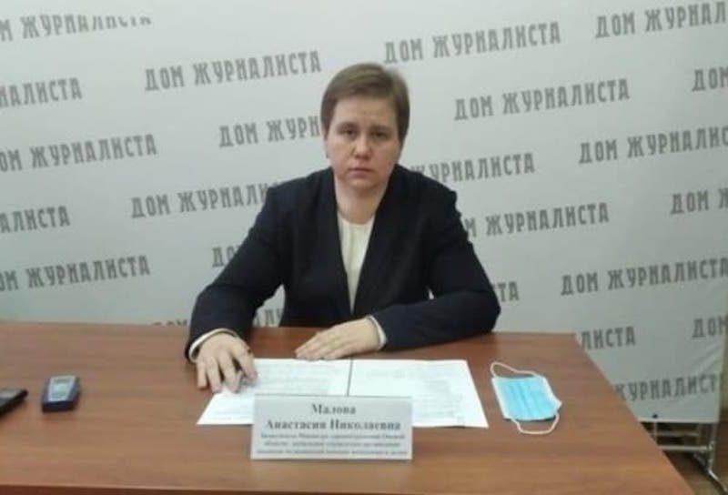 Отстраненную после скандала со скорыми чиновницу Минздрава Омской области вернули на прежнее место