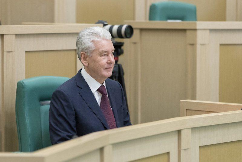 Собянин заявил об ухудшении ситуации с коронавирусом. Ограничения пока только для детей