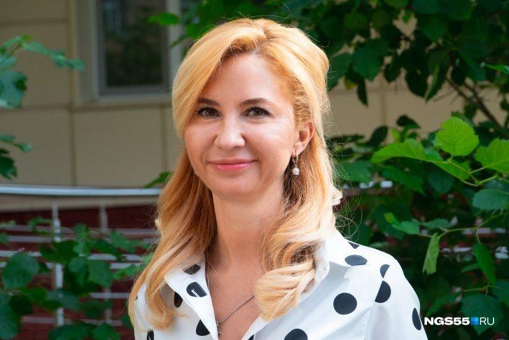 Омский губернатор уволил министра здравоохранения после скандала со скорыми