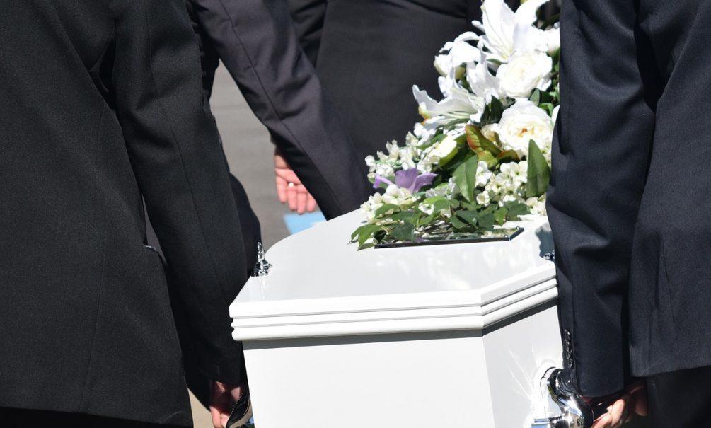 Труп умершего от коронавируса ростовчанина потеряли медики и пытались отдать родственникам другое тело