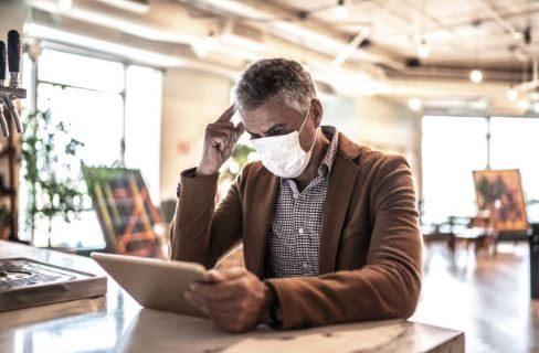 Эксперты считают, что борьба с коронавирусом обернулась лишь притеснением бизнеса