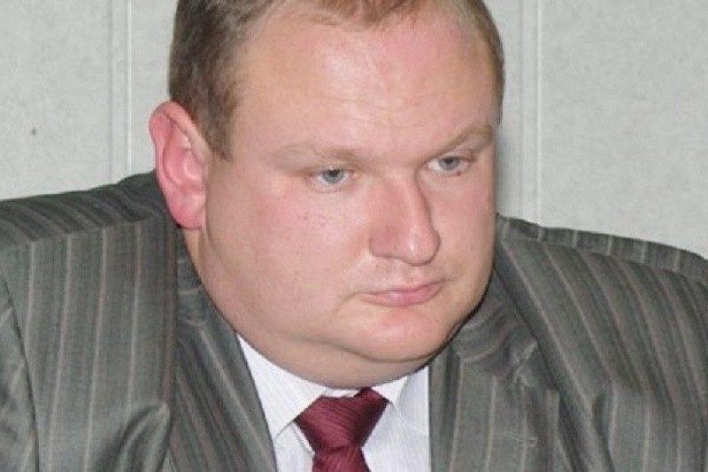 Живший на 100 рублей в день единоросс Крутских не платит кредиты и должен банкам 350 млн рублей