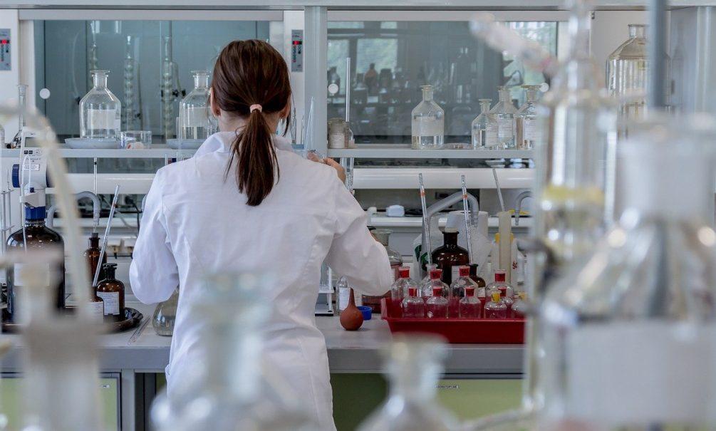 Заразе дали срок: вирусолог считает, что с коронавирусом придется бороться дольше, чем с «испанкой»
