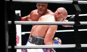 Ветераны бокса Рой Джонс и Майк Тайсон сразились за звание чемпиона
