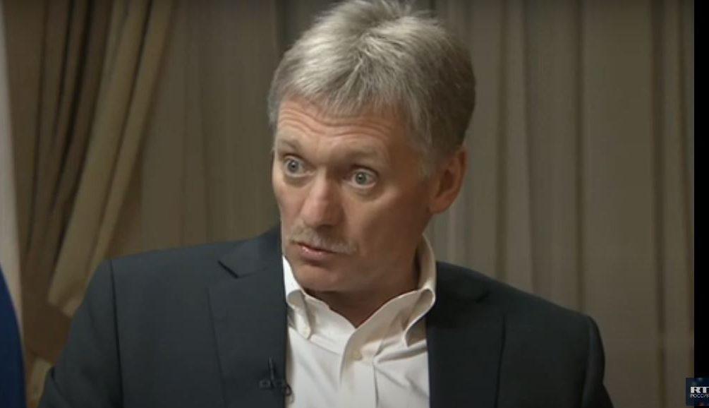 Поголовной вакцинации в России не будет – Песков