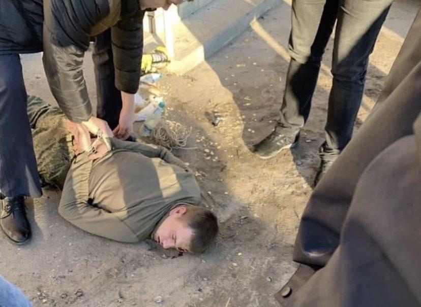 Учился на полицейского и был странным: расстрелявшего офицера и сослуживцев солдата задержали под Воронежем