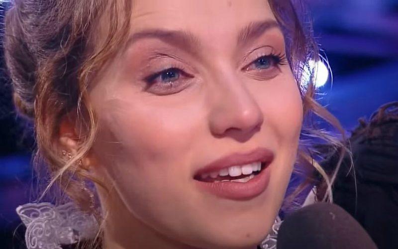 Илья Авербух и Елена Исинбаева поспорили на «Ледниковом периоде» из-за плачущей Регины Тодоренко
