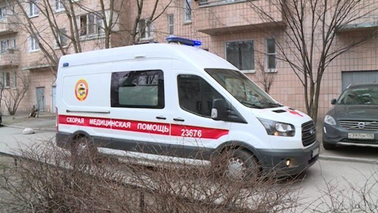 Пенсионер, выписанный из петербургской больницы «долечиваться», умер по пути домой