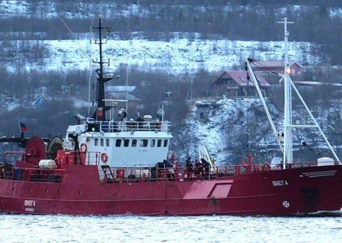 «Людей буквально смыло с палубы в море»: 17 рыбаков утонули вместе с судном у Новой Земли