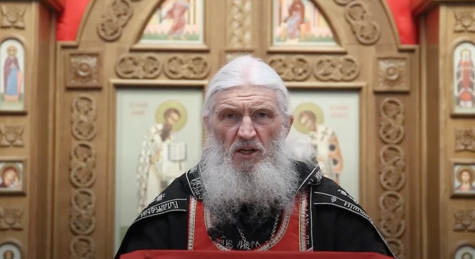 «Благословляю умереть за Россию»: опального «отца Сергия» обвинили в склонении детей к самоубийству