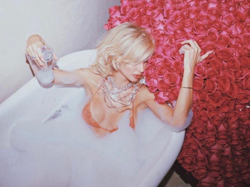 «Украла»: Лободу обвинили в плагиате номера с ванной