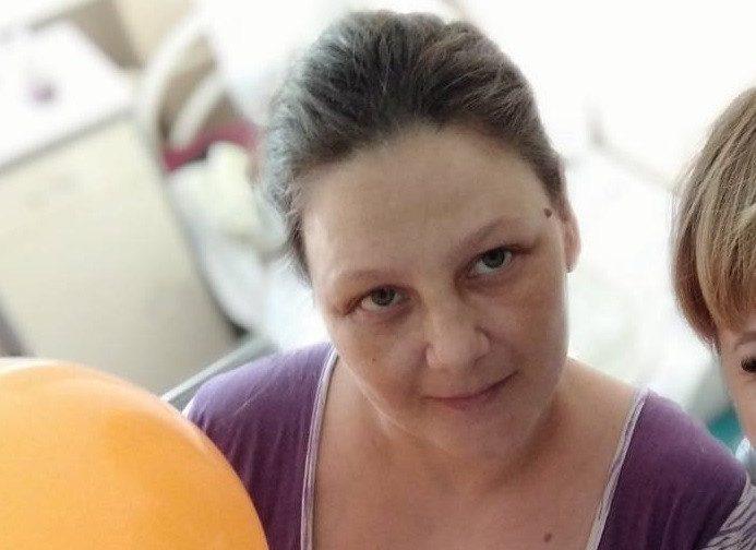 Многодетная мать выпрыгнула из горящей квартиры с сыном и грудной дочкой на руках в Волгограде