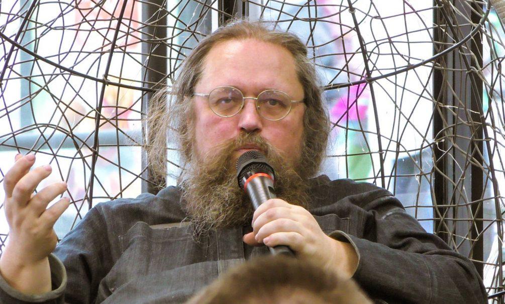Знаменитого протодиакона Андрея Кураева лишили сана