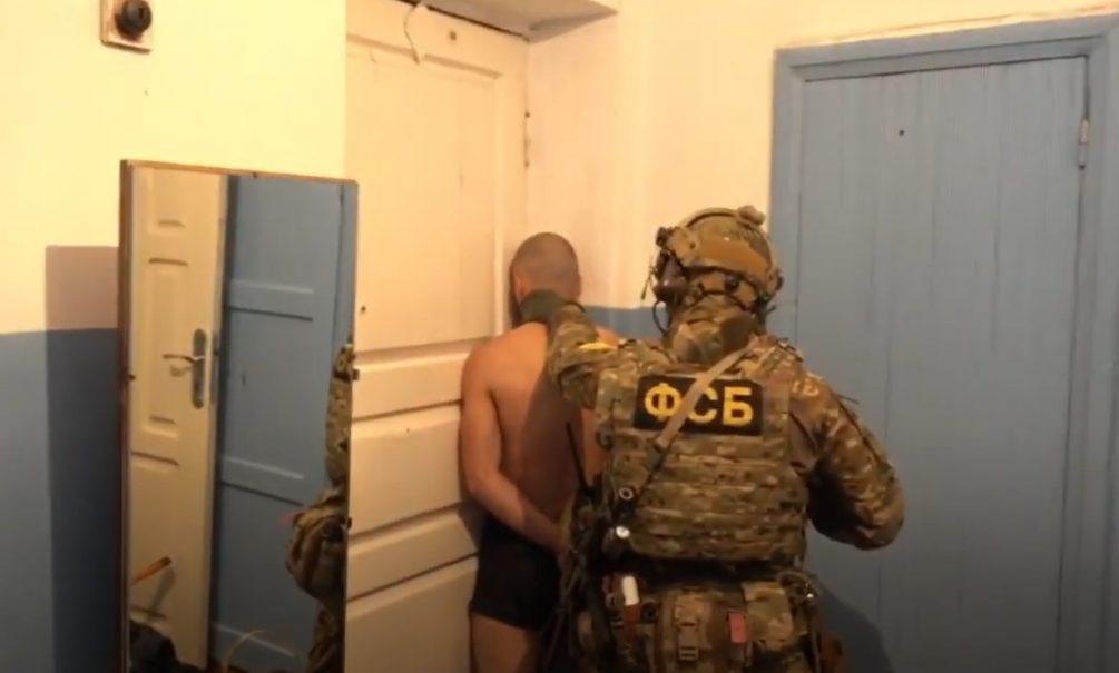 Опубликовано видео задержания террористов, которые готовили подрыв здания МВД в Дагестане