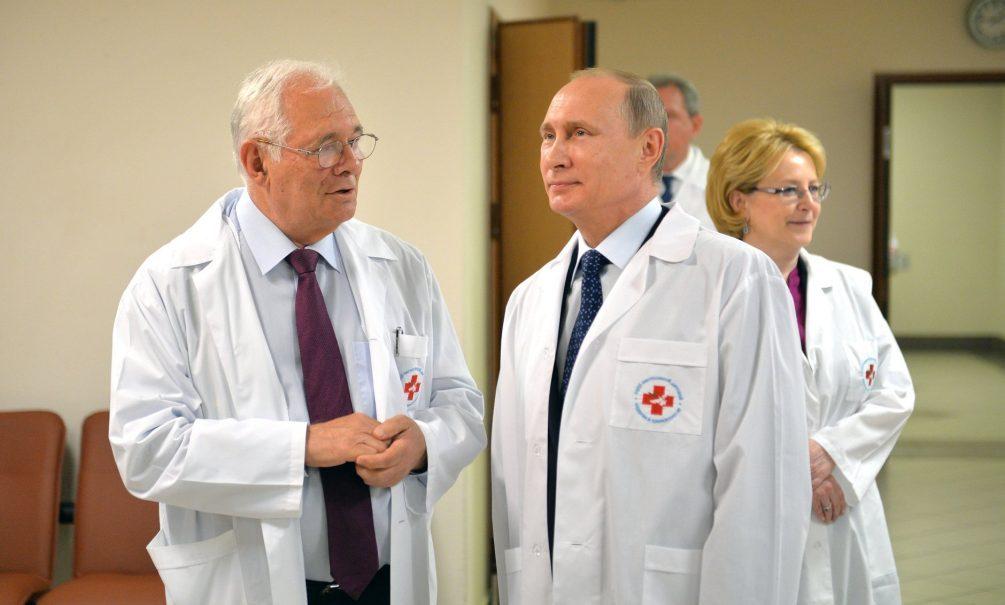 Владимир Путин получил возможность привиться от коронавируса