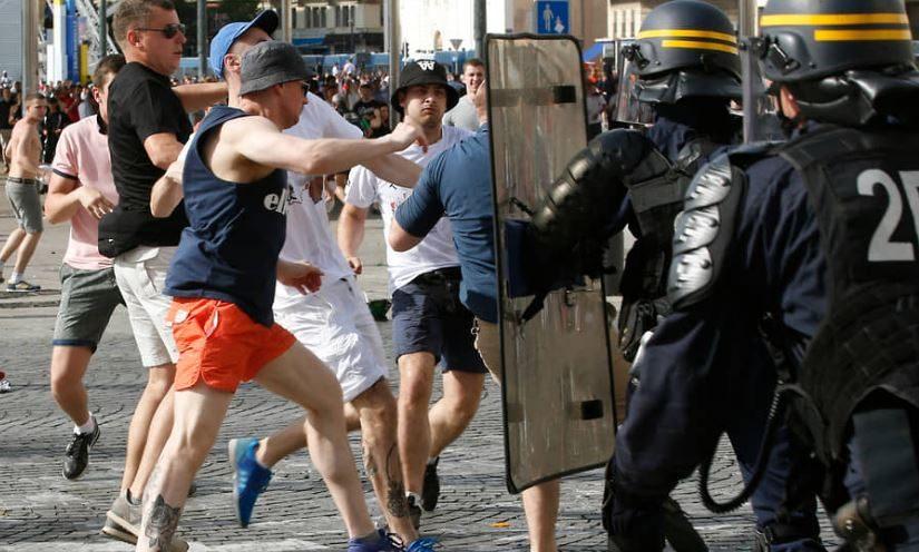 Дали как за убийство: во Франции осудили российских фанатов, устроивших драку на Евро-2016