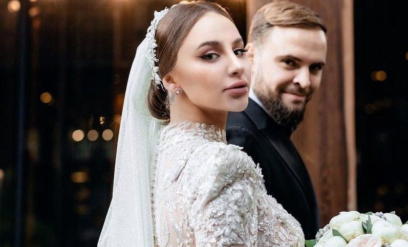 Солистка Artik & Asti Анна Дзюба вышла замуж
