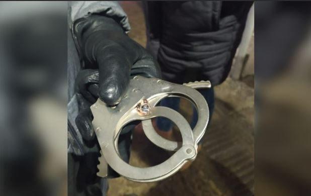В Подмосковье наручники спасли полицейского от пули наркоторговца