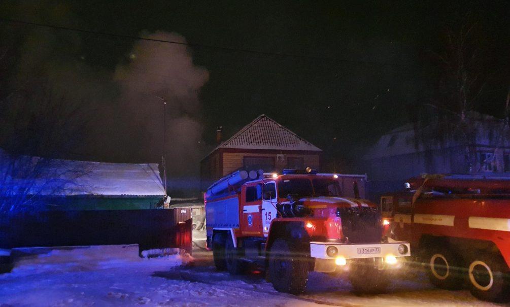 Семь лежачих больных сгорели заживо в нелегальном доме престарелых под Тюменью
