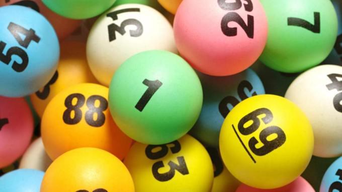 Как стать миллионером: почти 600 россиян выиграли по 1 млн рублей в новогоднюю лотерею