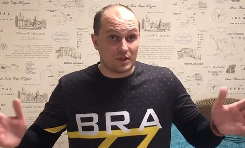 Воронежского депутата задержали и оштрафовали за репост об акции Навального