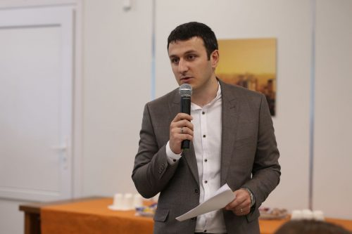 Чиновник объяснил, зачем на безлюдном перекрестке в Ростове установили 18 светофоров