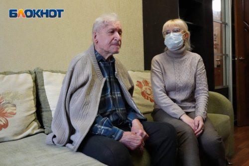 Держал над Рейхстагом знамя Победы, а теперь выживает в собственной квартире: в Волгограде замерзает 97-летний ветеран