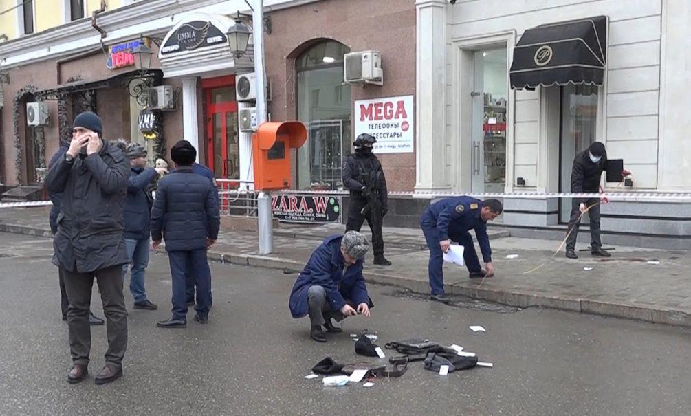 Опубликовано полное видео нападения террористов на полицейских в Грозном