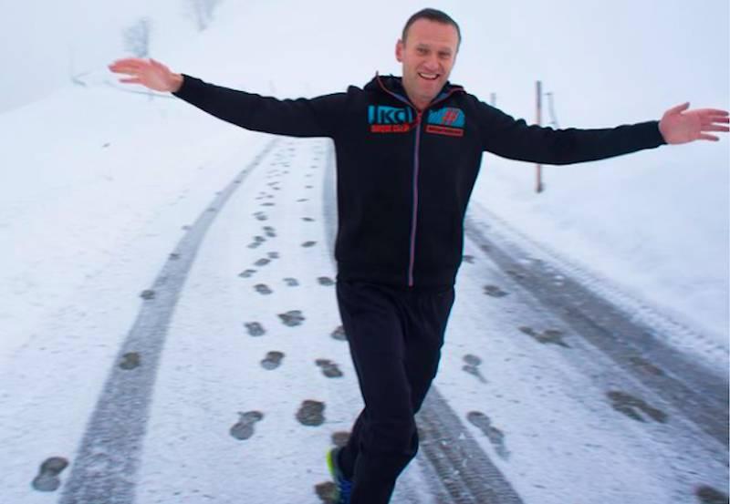 «Встречайте!»: Навальный купил авиабилет из Германии в Москву