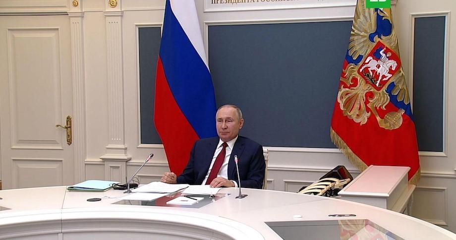 Путин приказал добиться «опережающего» роста доходов россиян