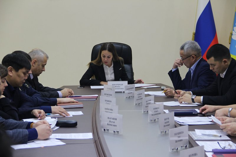 В Калмыкии разразился скандал с участием вице-премьера из-за «неприличного» пальца