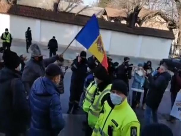 «Язык оккупантов» - в Кишиневе националисты протестуют против придания русскому языку особого статуса