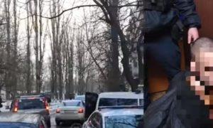 «Я бог, но люди не поклоняются мне»: обезумевший украинец обезглавил отца и вспорол живот жильцу