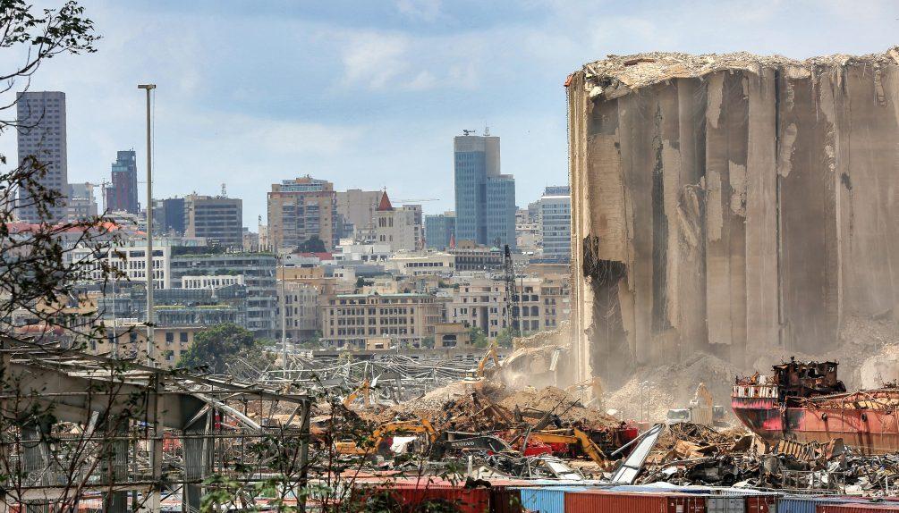 Погибли 190 человек: Интерпол выдал ордер на арест двух россиян из-за взрыва в порту Бейрута