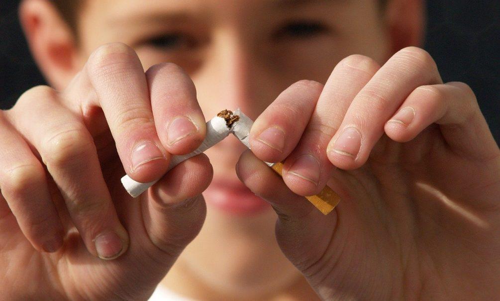 Минздрав и МЧС обещают сделать все сигареты самозатухающими