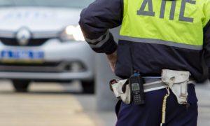 Пьяный водитель воткнул отвертку в глаз полицейскому во время освидетельствования в Воронежской области