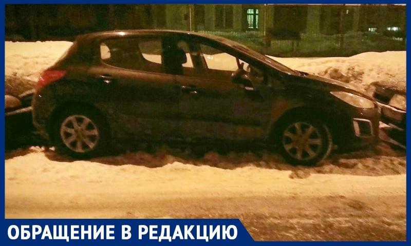Шлагбаум: спасение или препятствие? Москвичи пожаловались на невозможность огородить свой двор