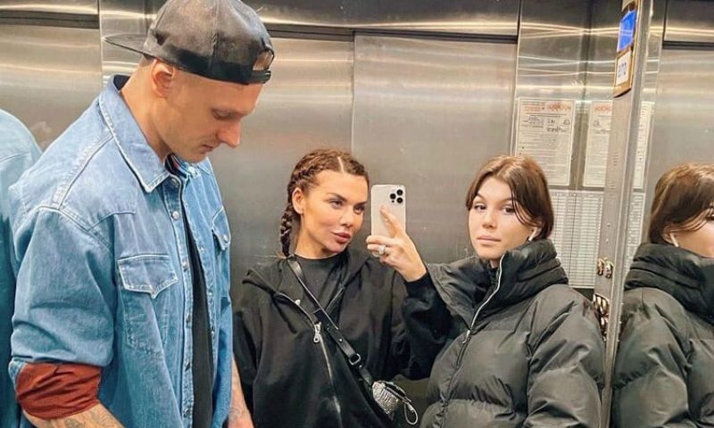 Анна Седокова выселит дочь из квартиры после совершеннолетия